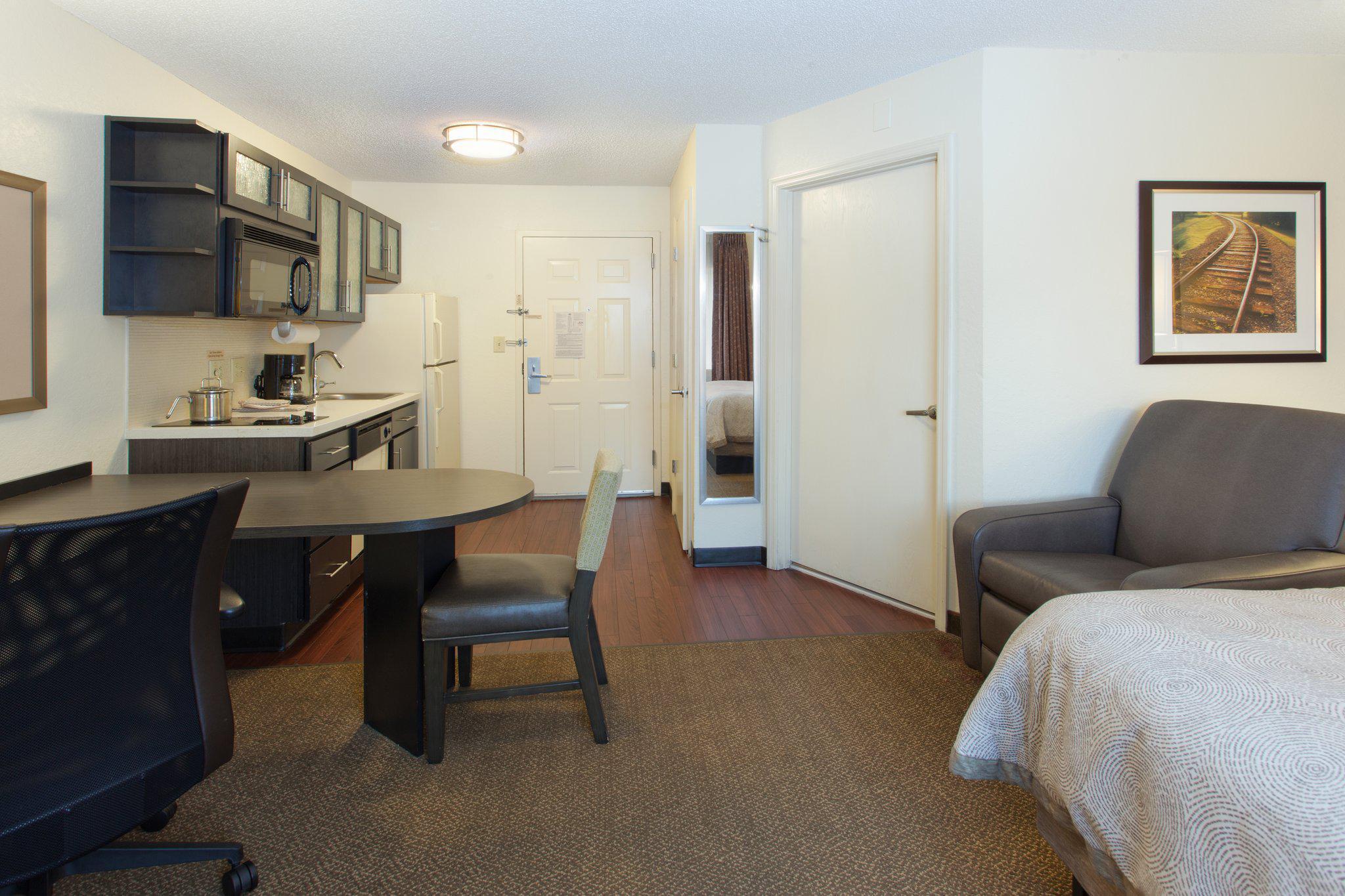 Candlewood Suites Philadelphia-Willow Grove