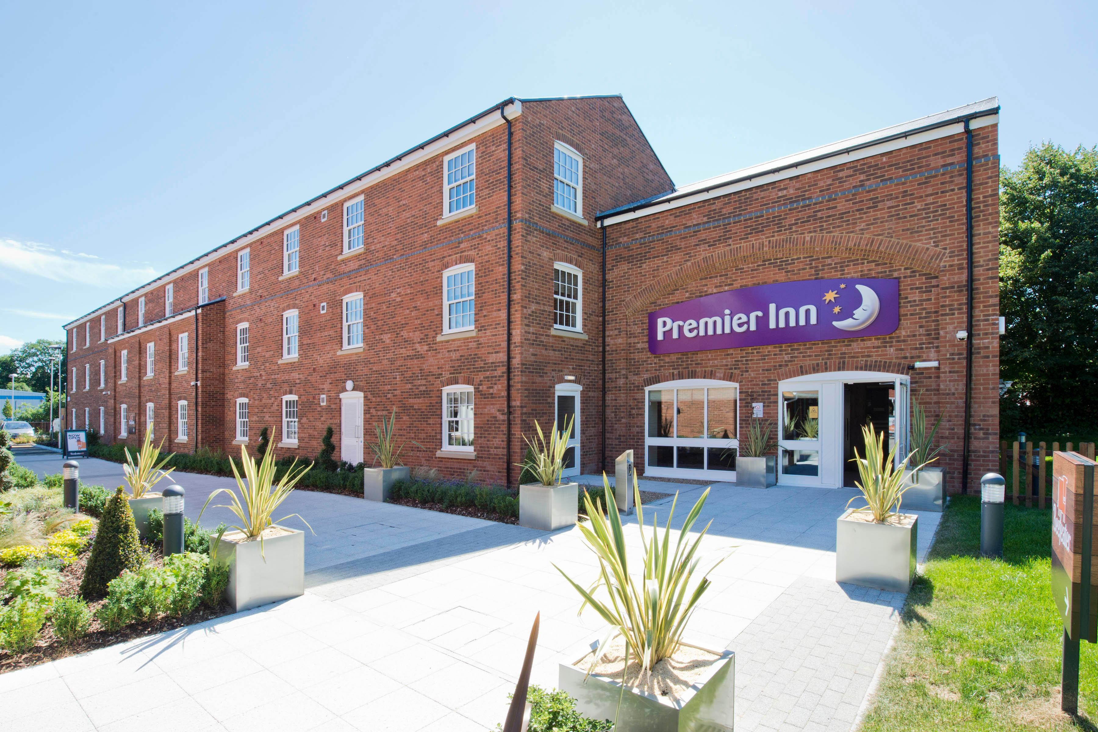 Premier Inn Farnham hotel