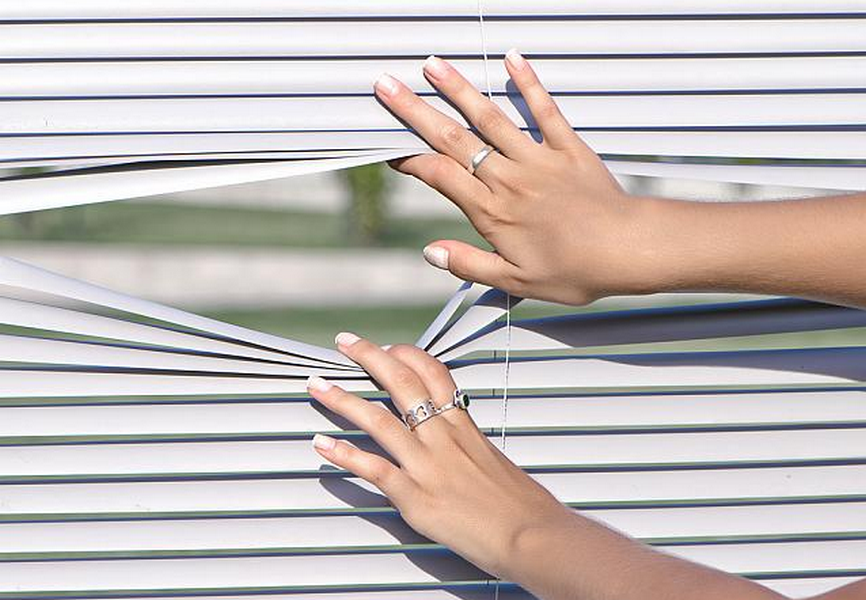 Žaluzie, těsnění oken a dveří - CHLUSTINA Jiří