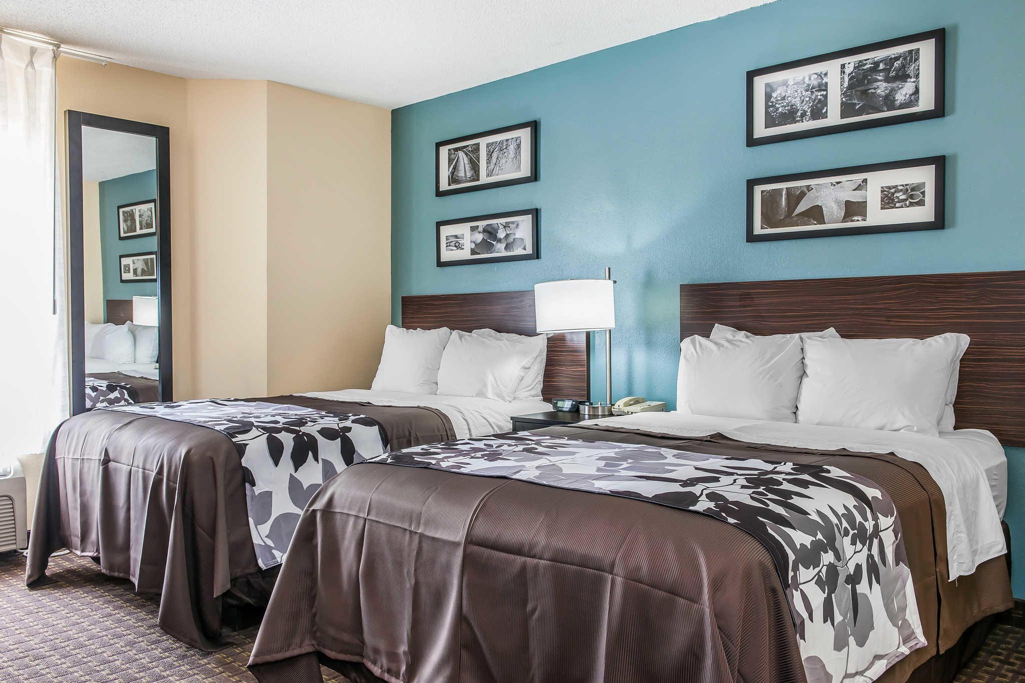 Hotels Near Illinois State Fairgrounds