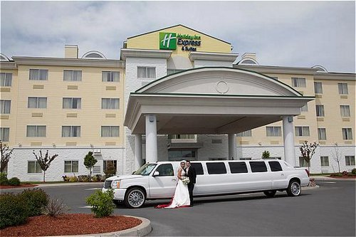 Holiday Inn Express & Suites Watertown-Thousand Islands ...