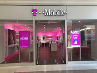Exterior photo of T-Mobile Store at Yorktown Mall 2, Lombard, IL