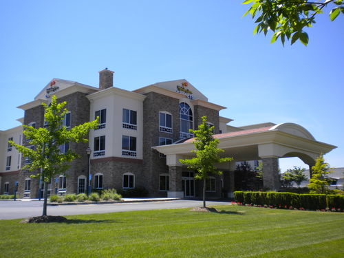 Holiday Inn Express And Suites Long Island East End