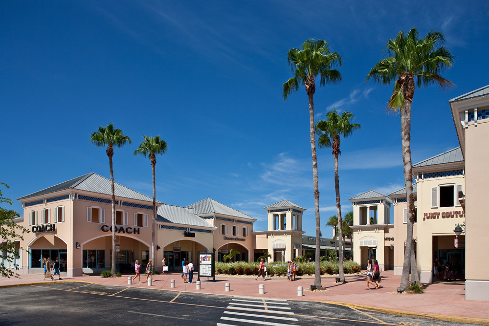 Ellenton Premium Outlets, store listings, mall map, hours, directions, hotels, comment forum and more (Ellenton, FL).