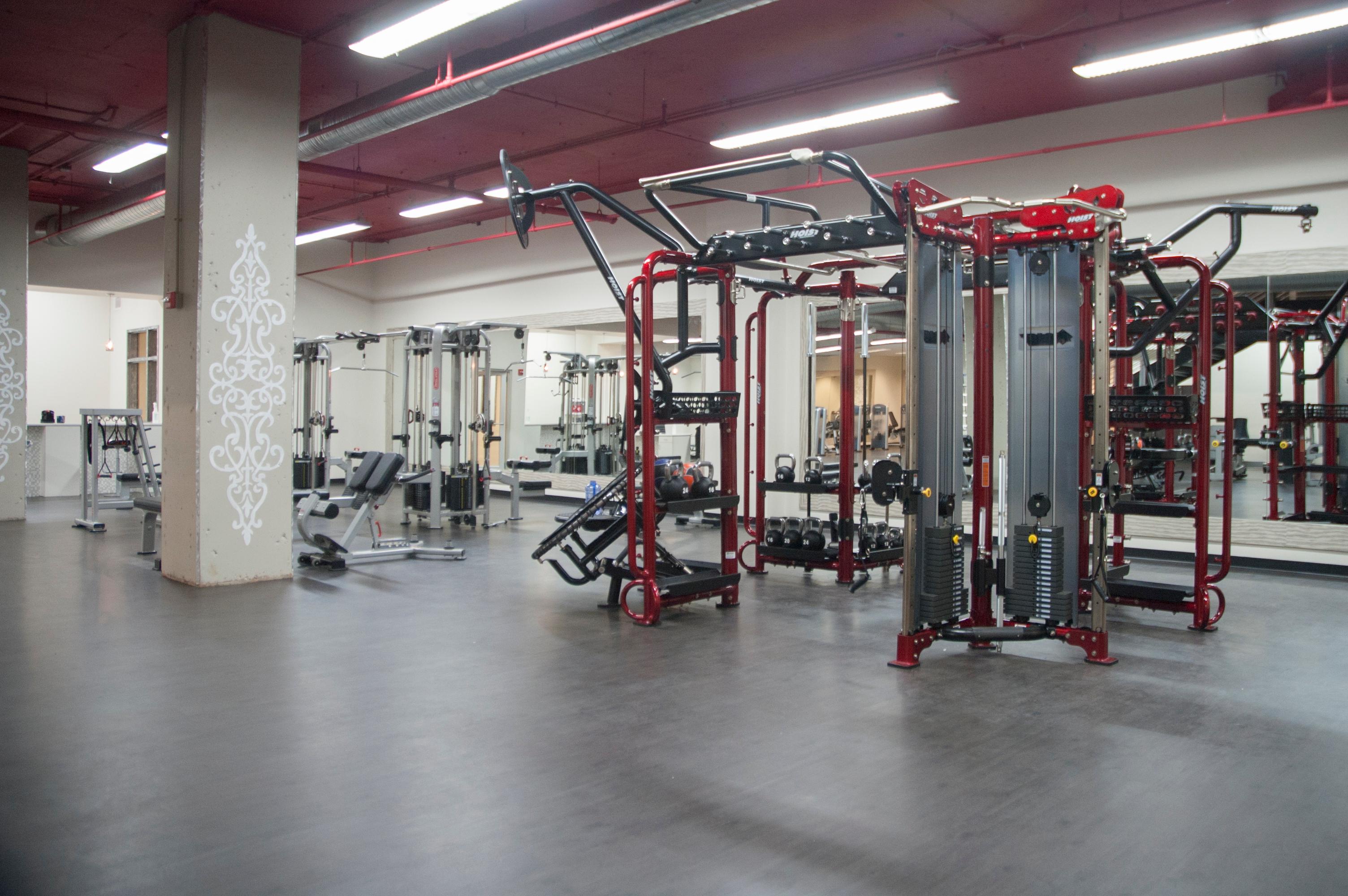 Crunch Fitness - Reston Town Center image 2