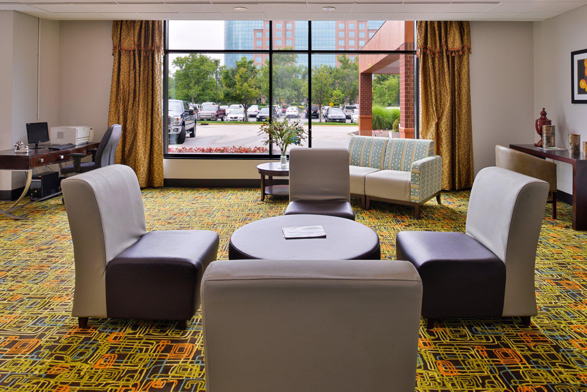Holiday Inn Express St. Louis Airport- Riverport