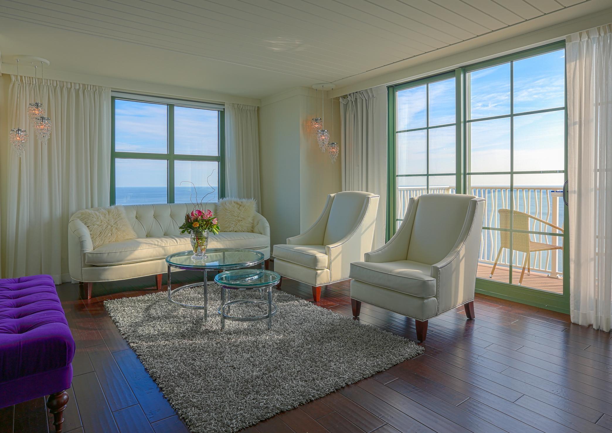Presidential Suite Living