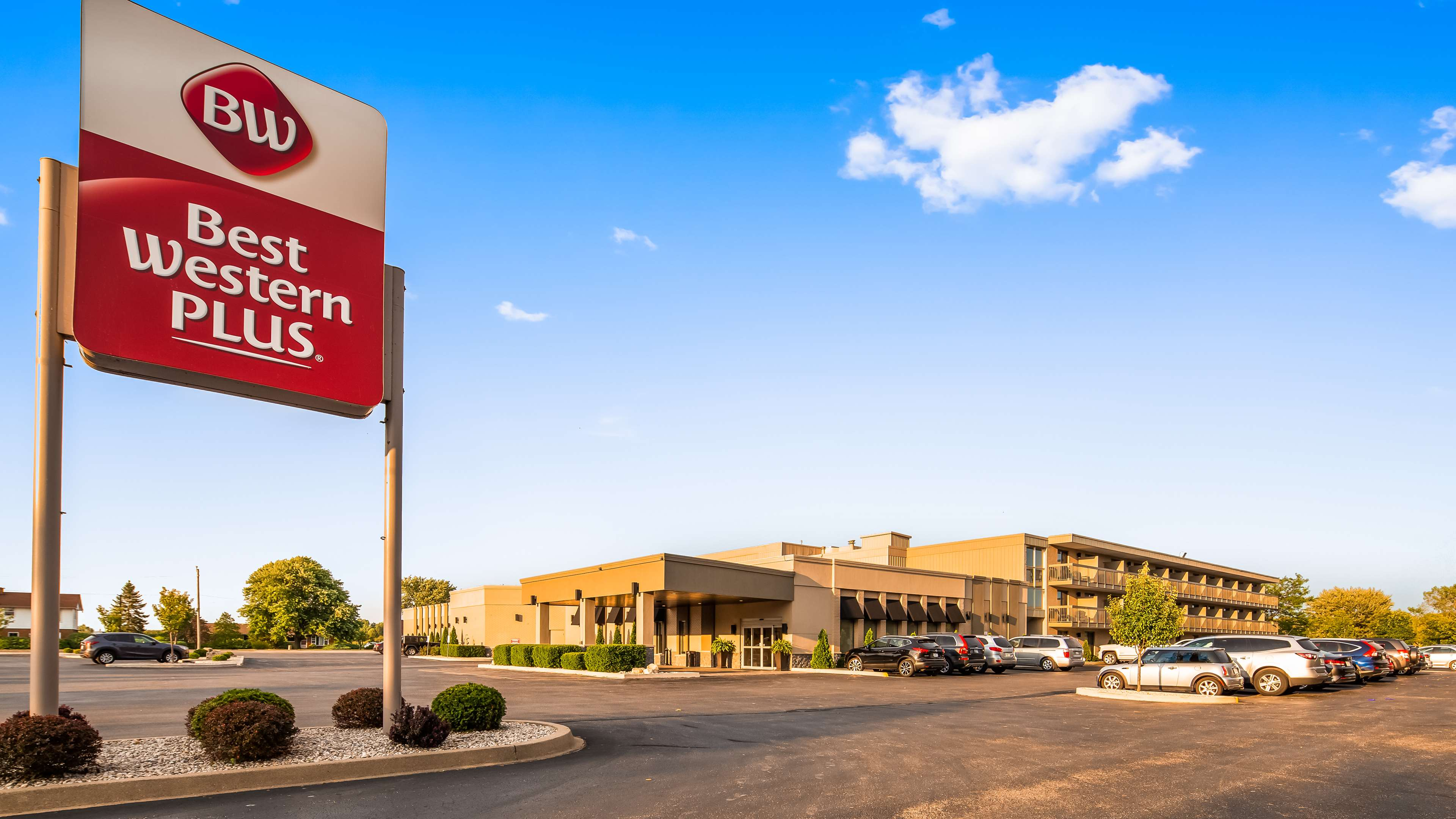 Welcome to the Best Western Plus Leamingon Hotel & Conference Centre Best Western Plus Leamington Hotel & Conference Centre Leamington (519)326-8646
