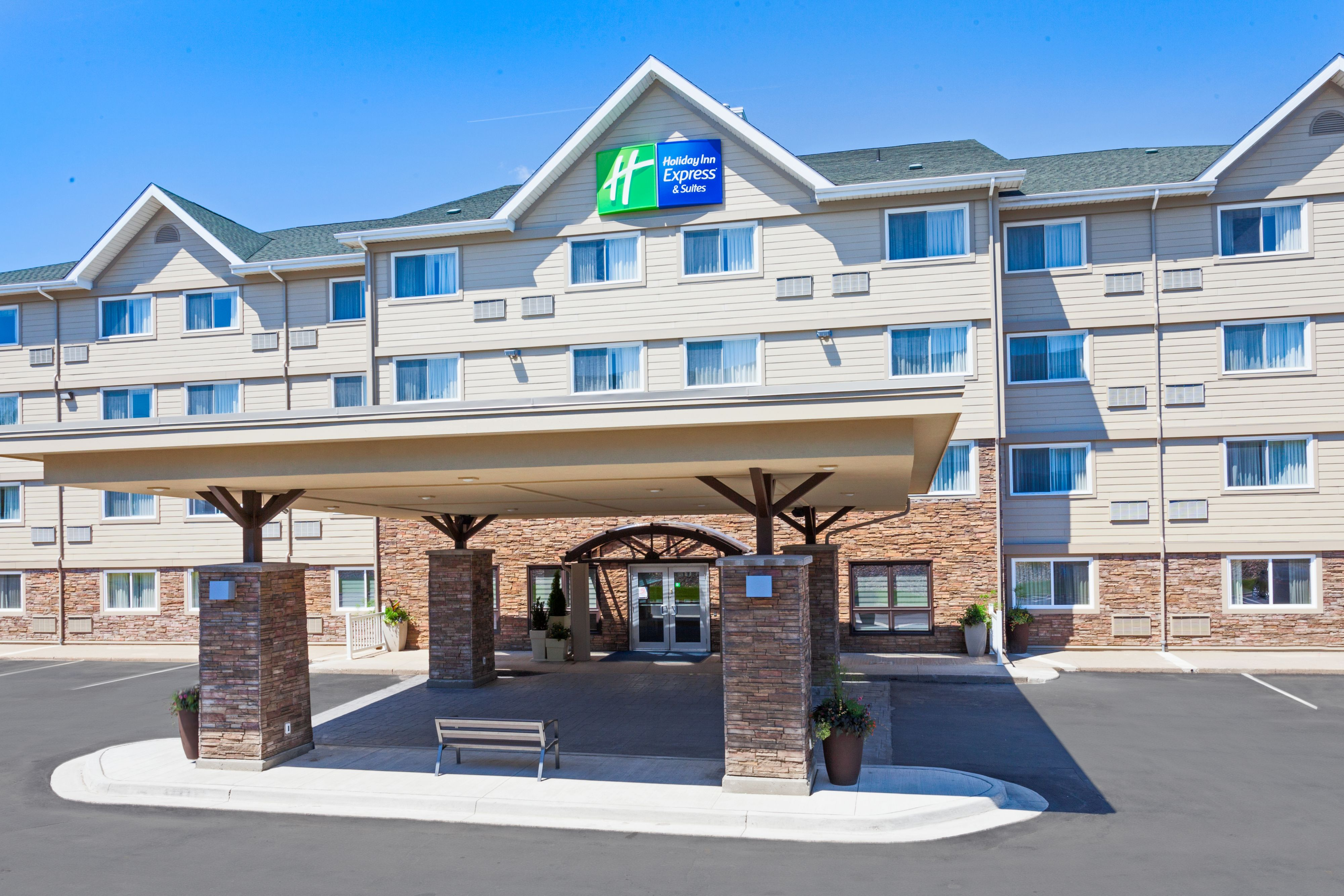 Holiday Inn Express Amp Suites Fredericksburg