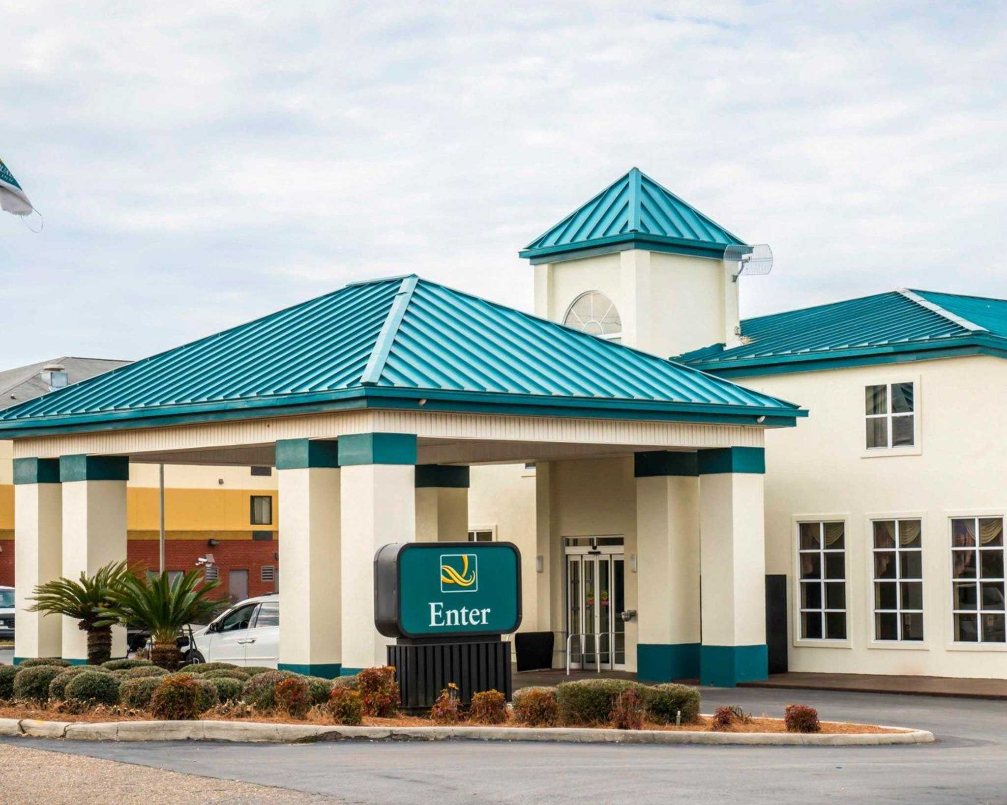Quality inn chipley florida fl for Quality hotel