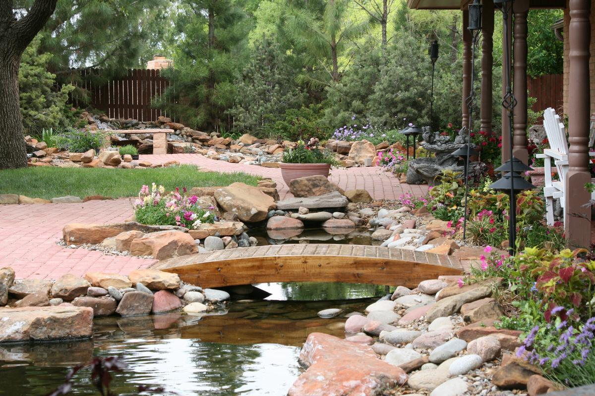 Franklin foliage landscaping midland texas tx for Landscaping rocks midland tx