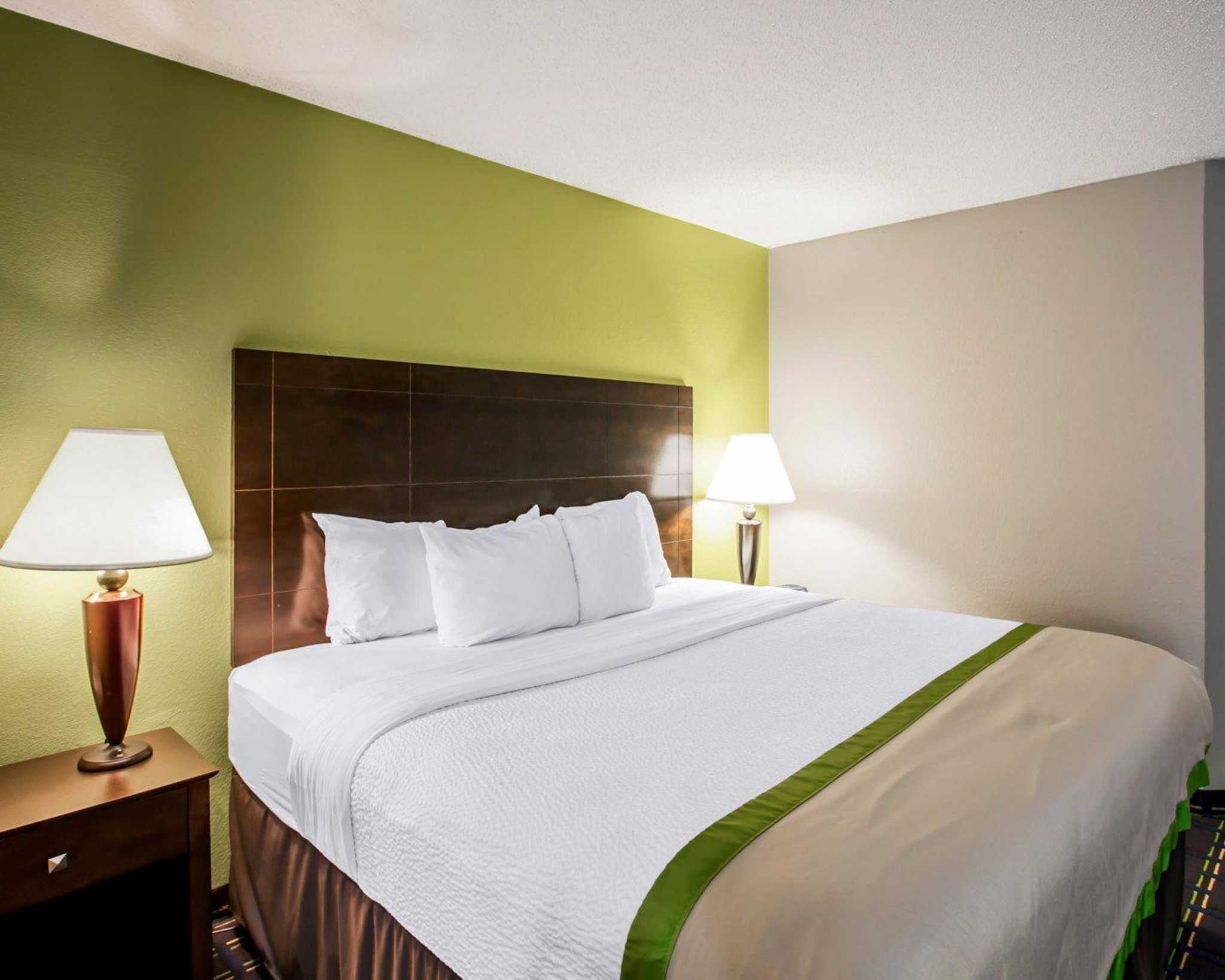 Hotel That Rent Rooms Near Asheville Nc
