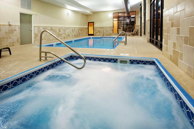 Holiday Inn Quincy in Quincy, 4821 Oak Street - Hotels & Motels in Quincy - Opendi Quincy