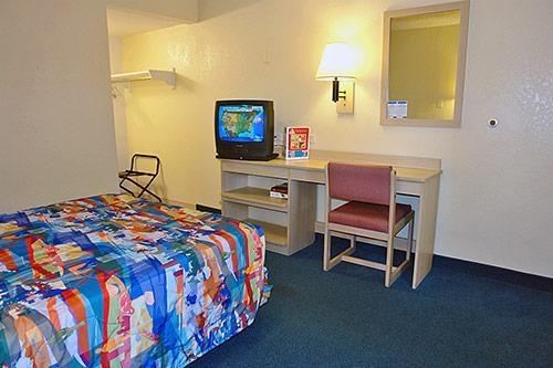 Motel 6 Phoenix Tempe - Priest Dr image 5