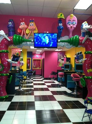Snip-its is a magical place for kids and a place moms and dads trust for great haircuts. Kids love going to Snip-its because there's so much to see and do, and parents feel great knowing their children are in good hands with our talented, kid-focused stylists.