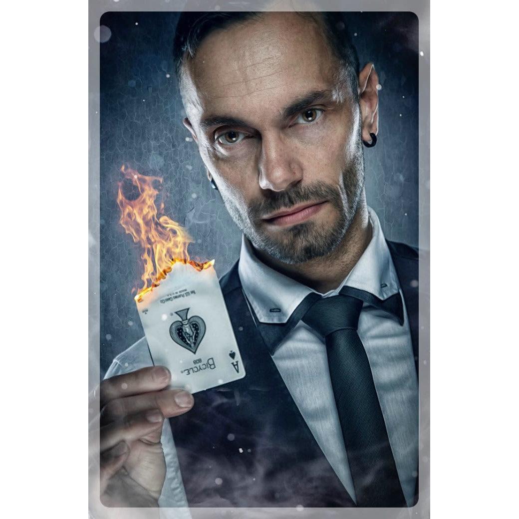 Carl Charlesworth Magician - Buckingham, Buckinghamshire MK18 2DN - 07749 541943 | ShowMeLocal.com