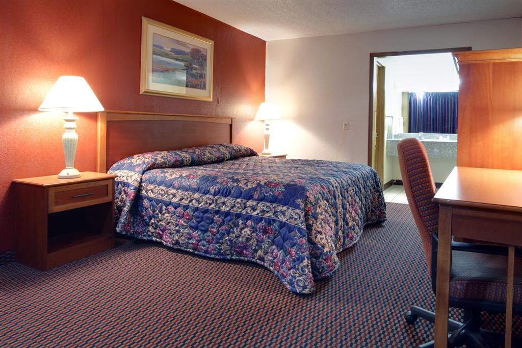 Post Road Inn Room Rates