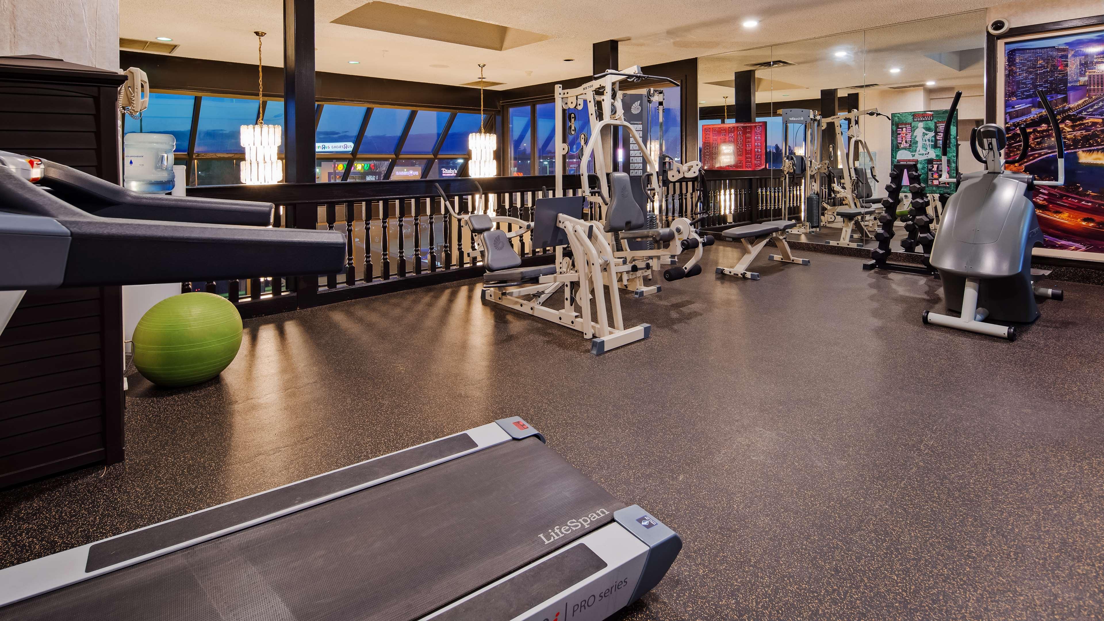 SureStay Plus Hotel by Best Western Seven Oaks in Regina: Fitness center