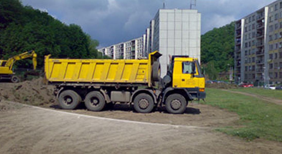 Zemní práce a nákladní autodoprava - Karel Hobza