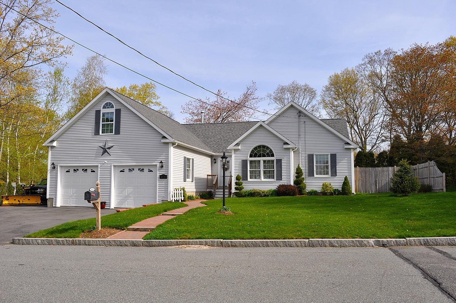 East coast homes in somerset ma 02726 for Home builders in ma