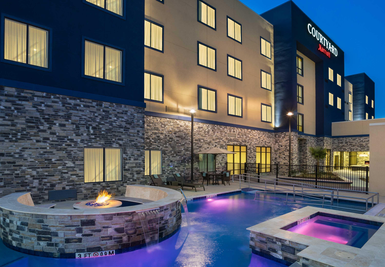Hotels Near Katy Mills