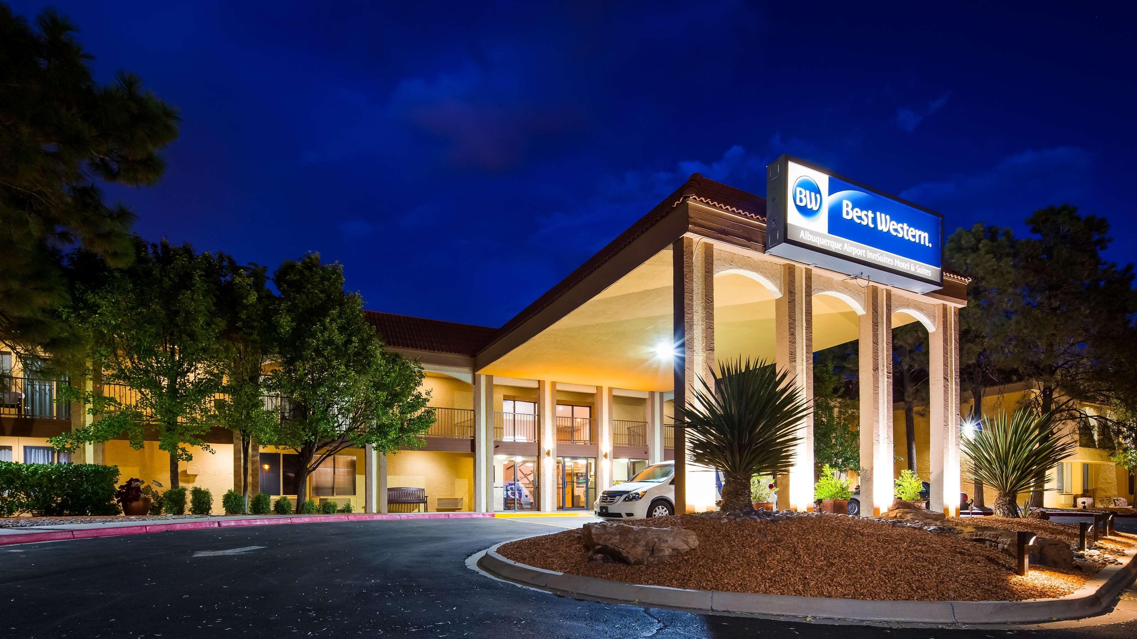 Best Western Airport Albuquerque Innsuites Hotel  U0026 Suites