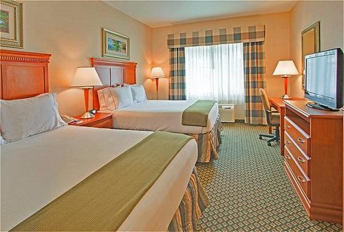 Holiday Inn Express & Suites Ontario Airport-Mills Mall image 4