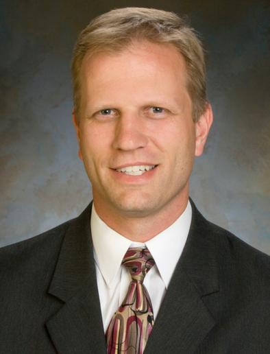 Ryan R Karlstad MD
