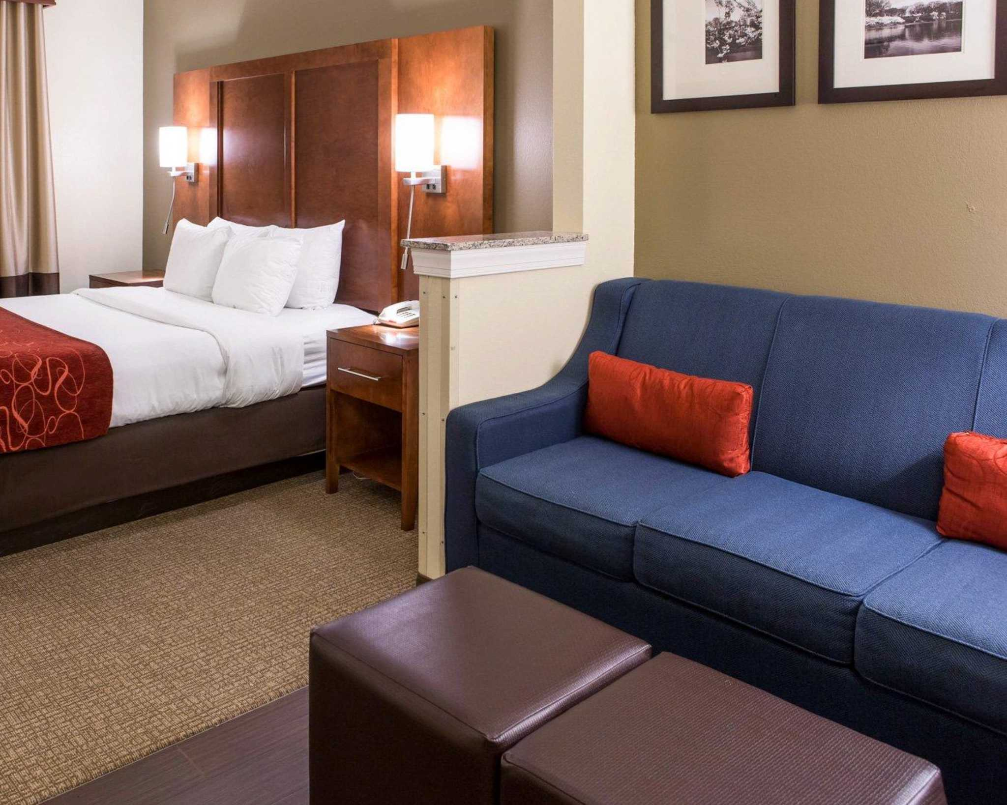 comfort suites newark new jersey nj. Black Bedroom Furniture Sets. Home Design Ideas