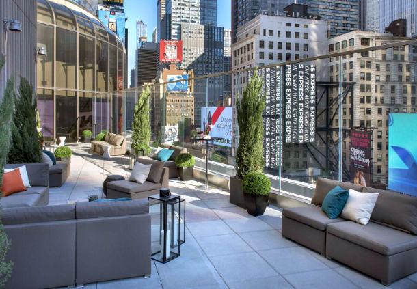 Broadway lounge terrace new york new york ny for Restaurants near winter garden theater nyc