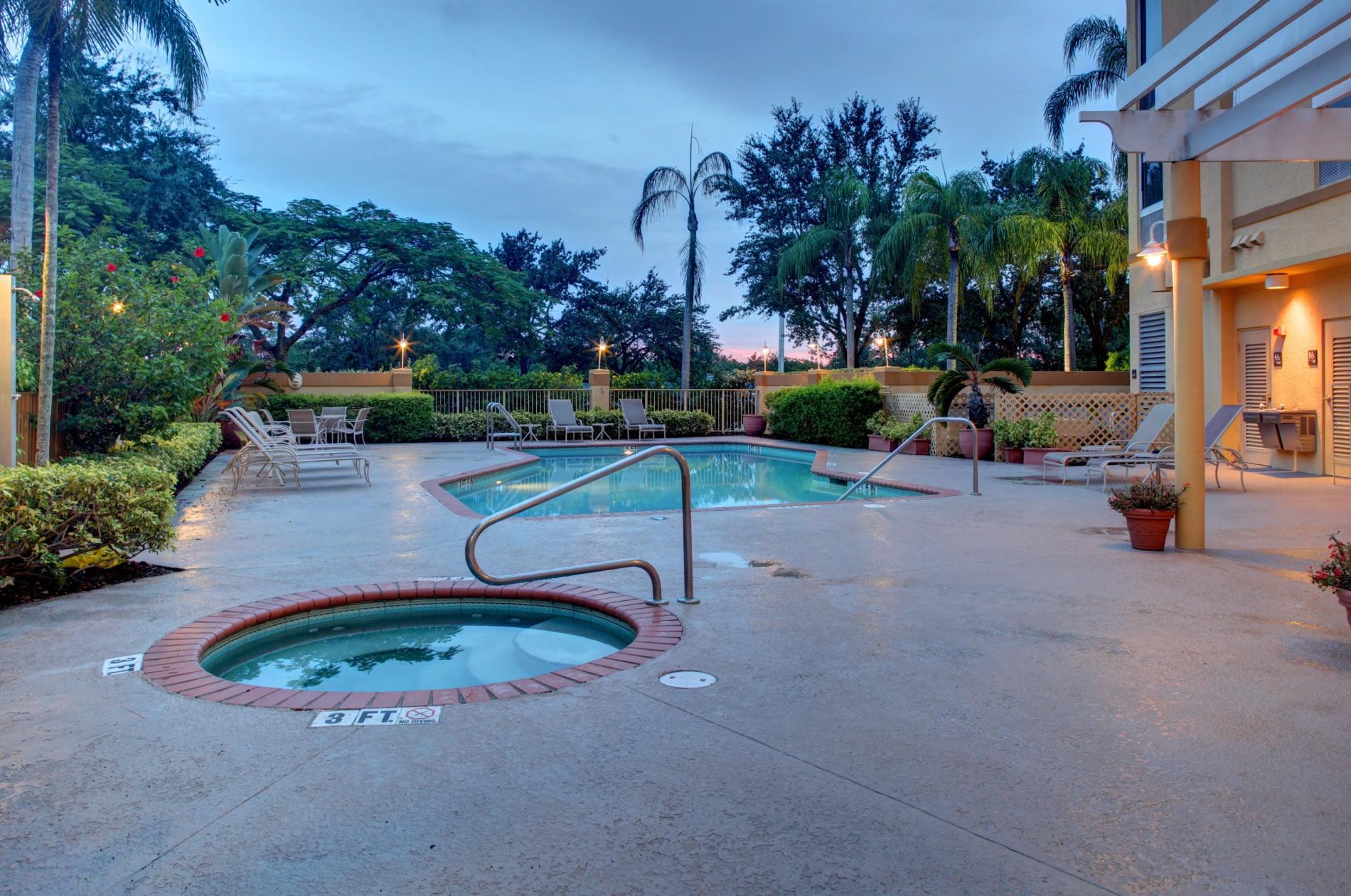 Hampton Inn by Hilton Pembroke Pines - Fort Lauderdale West image 9