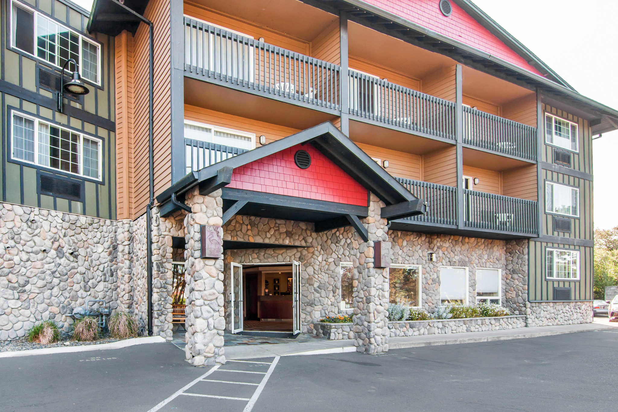 Comfort Inn Amp Suites Lincoln City Oregon Or