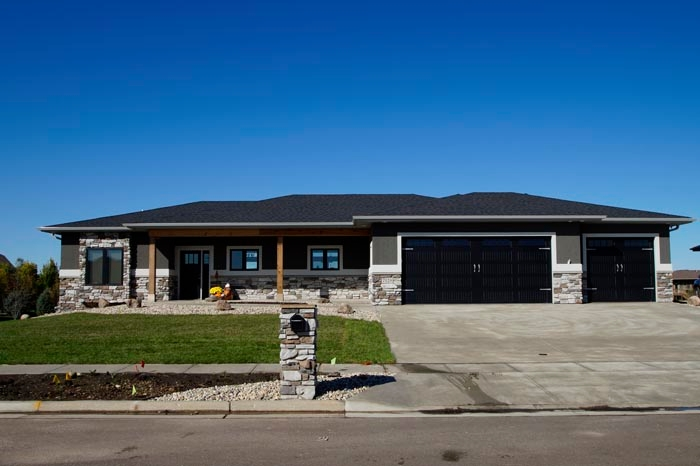 Oakland homes sioux falls south dakota sd for Home builders sioux falls sd