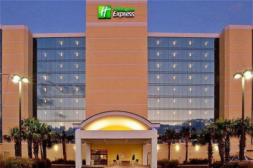 Holiday Inn Express & Suites Va Beach Oceanfront image 0