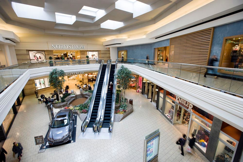 Woodfield Mall opened September 9, , in the Northwest suburb of Schaumburg, Illinois. Located on Golf Road and Interstate , the drive from DT Chicago is an hour or so, depending on traffic. Woodfield contains the finest department stores and specialty shops.4/4().