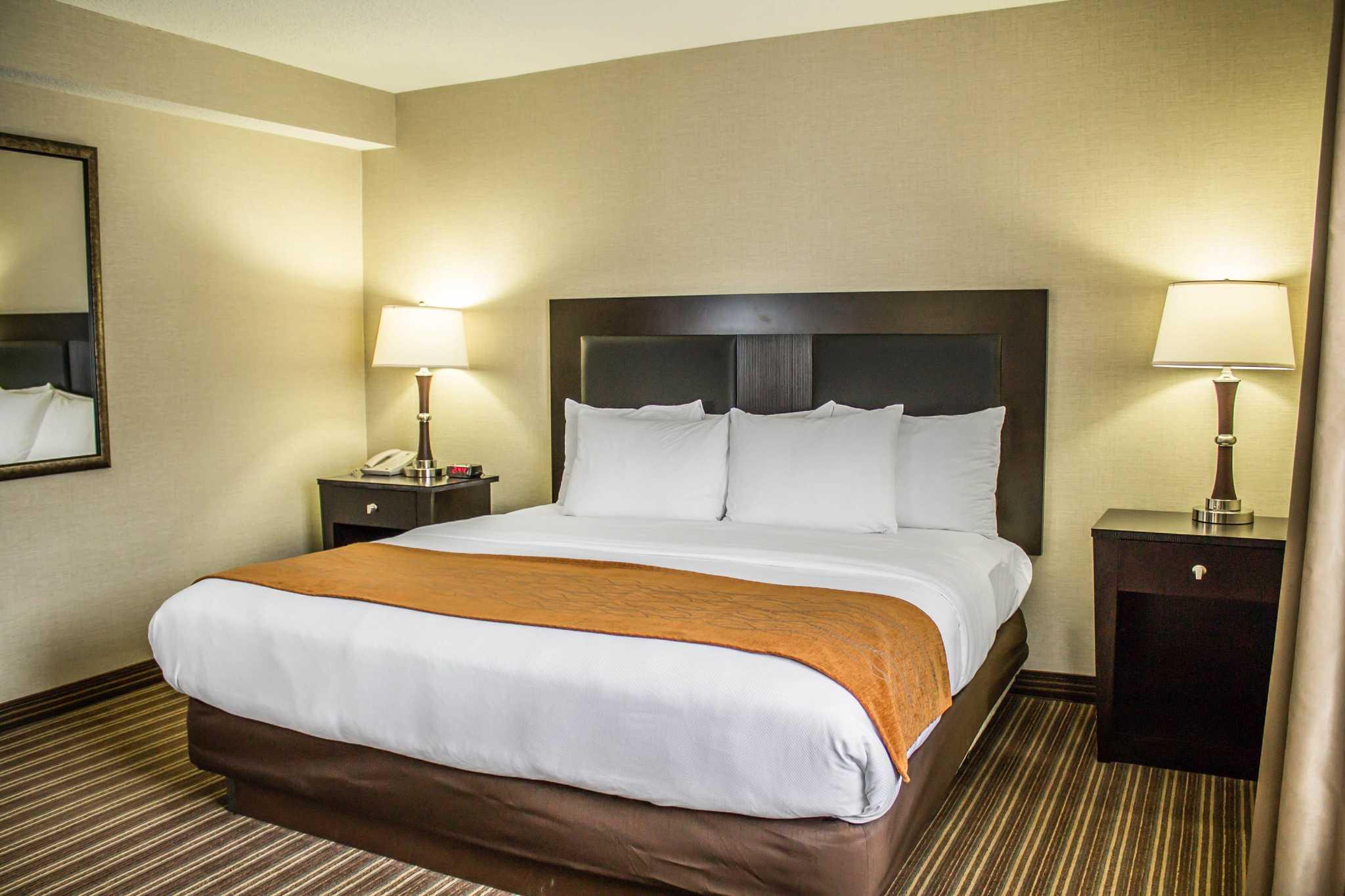 comfort of reservations suites berlin inn glen oh ohio hotels millersburg general dr comforter