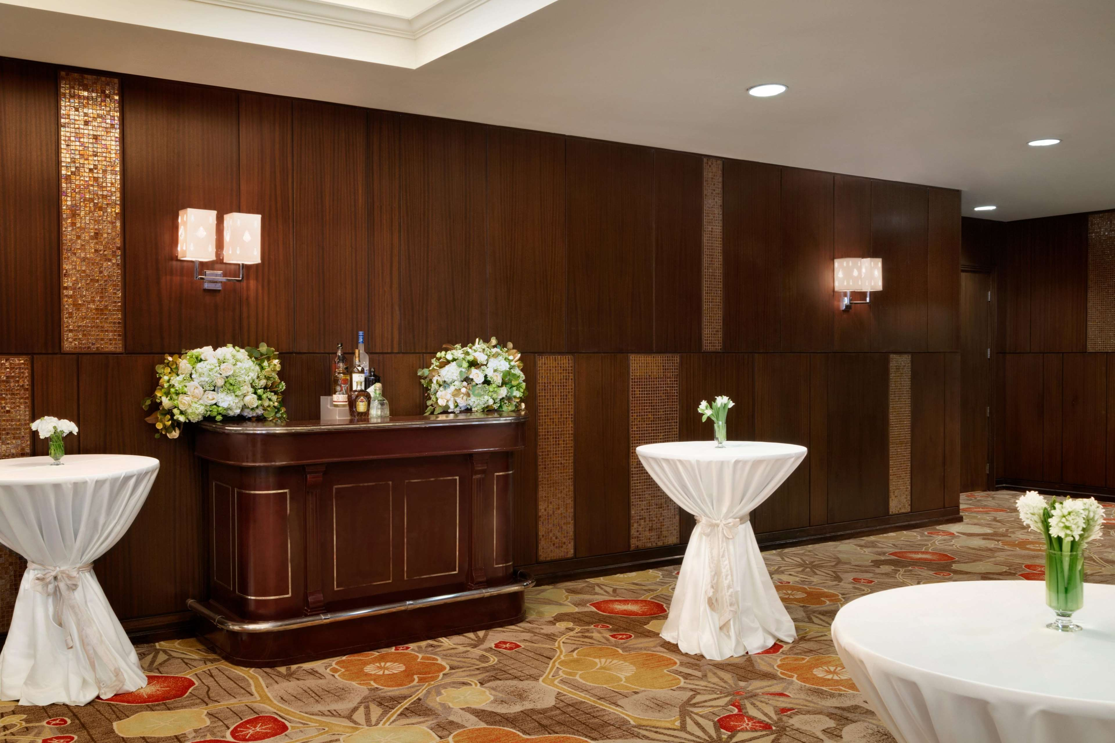 Embassy Suites By Hilton Los Angeles Glendale Glendale