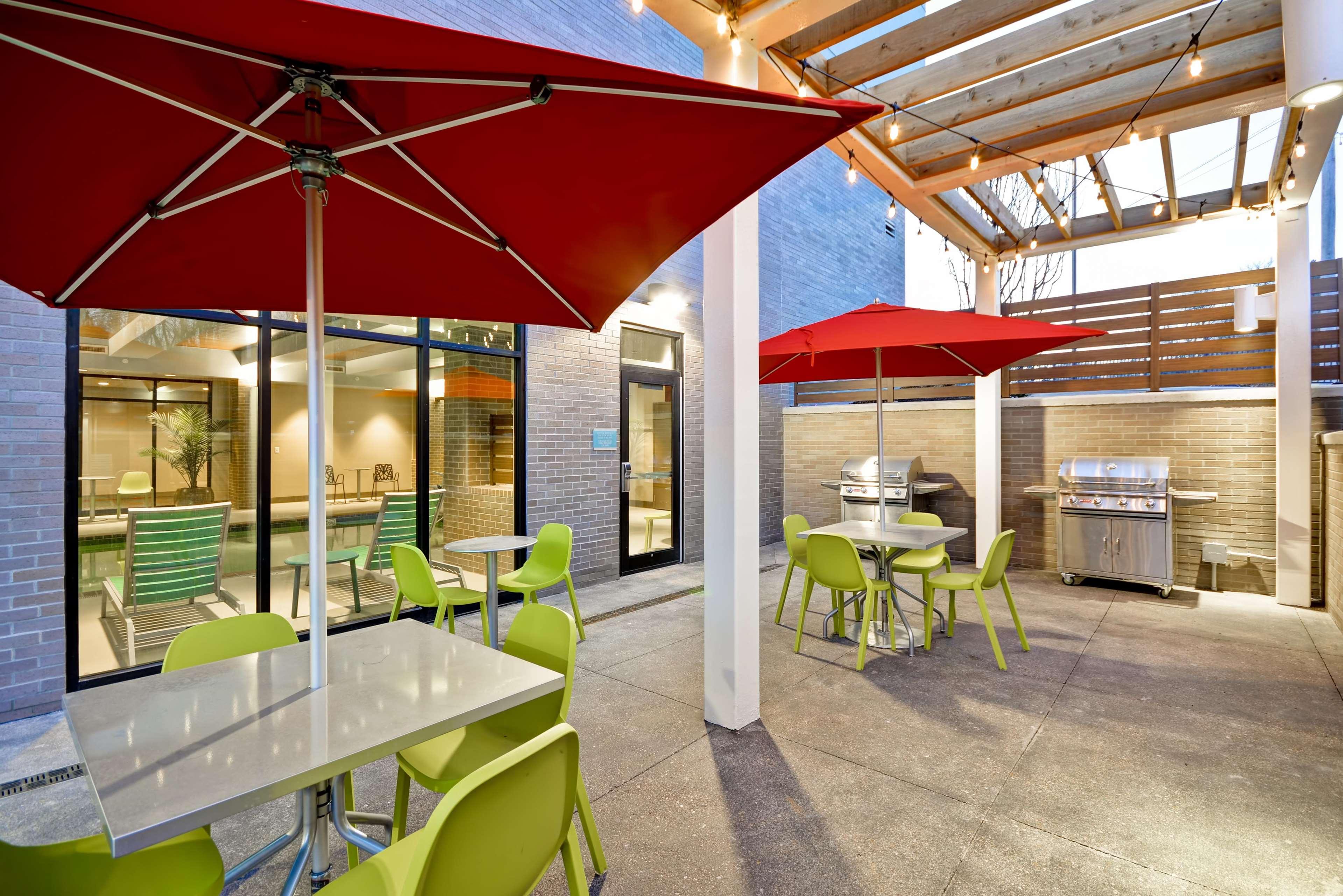 Home2 Suites by Hilton Kansas City KU Medical Center in