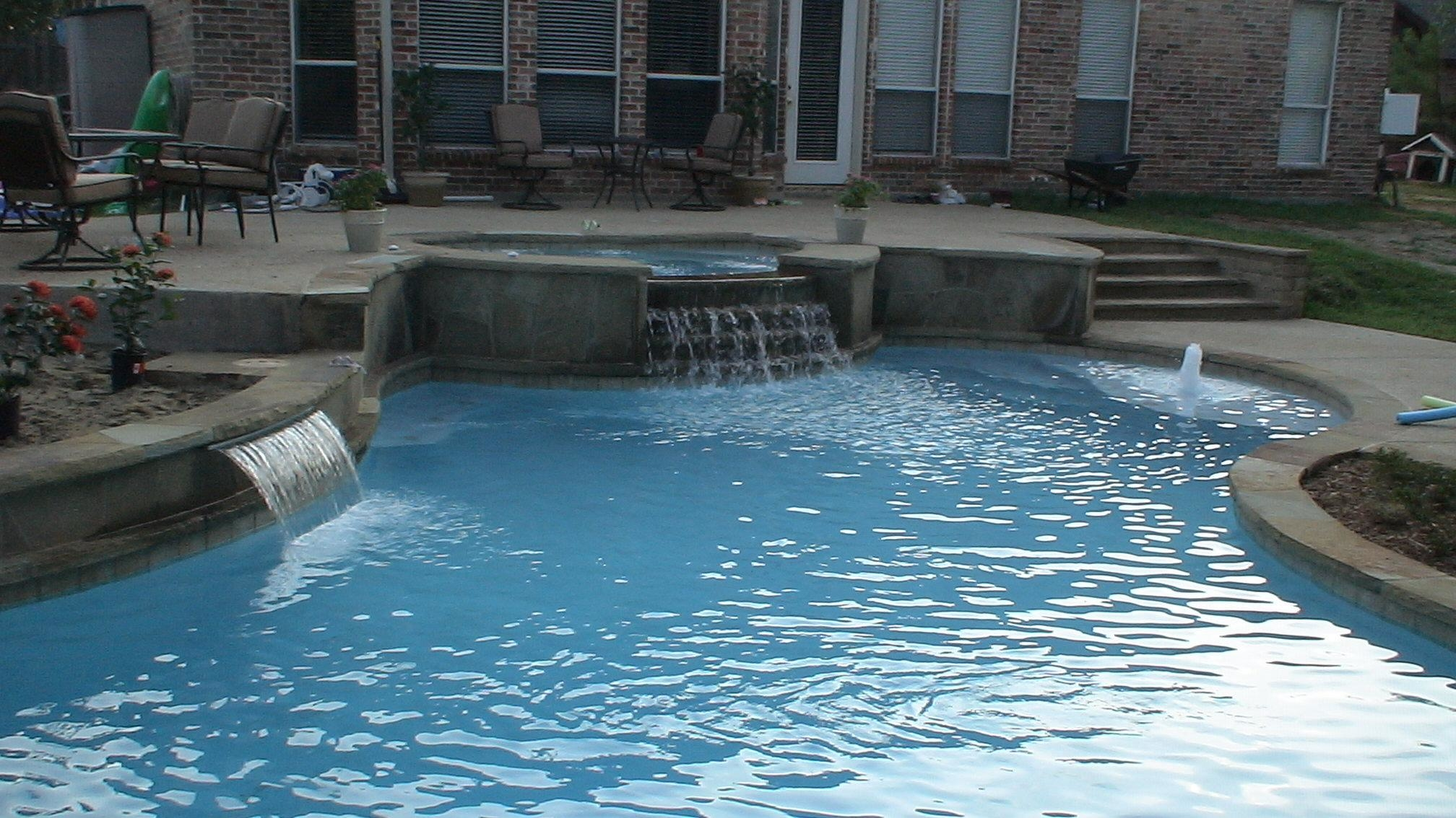 Blue escapes pool spa plano tx swimming pool contractors for Pool vendors