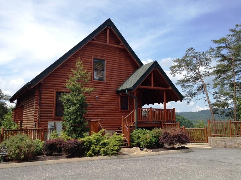 Auntie belham 39 s cabin rentals in pigeon forge tn whitepages for Cabin rental pigeon forge tn