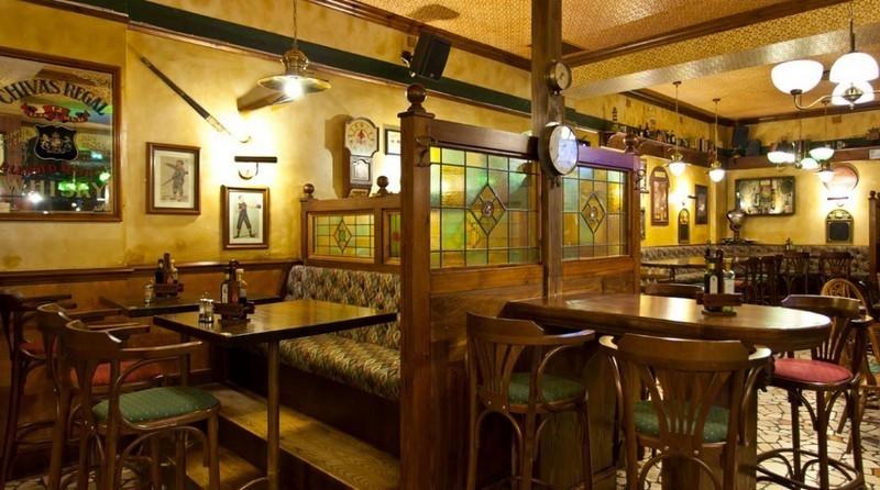 Tennent 39 s grill pub e restaurant caffe 39 bar birrerie for Arredamento pub irlandese