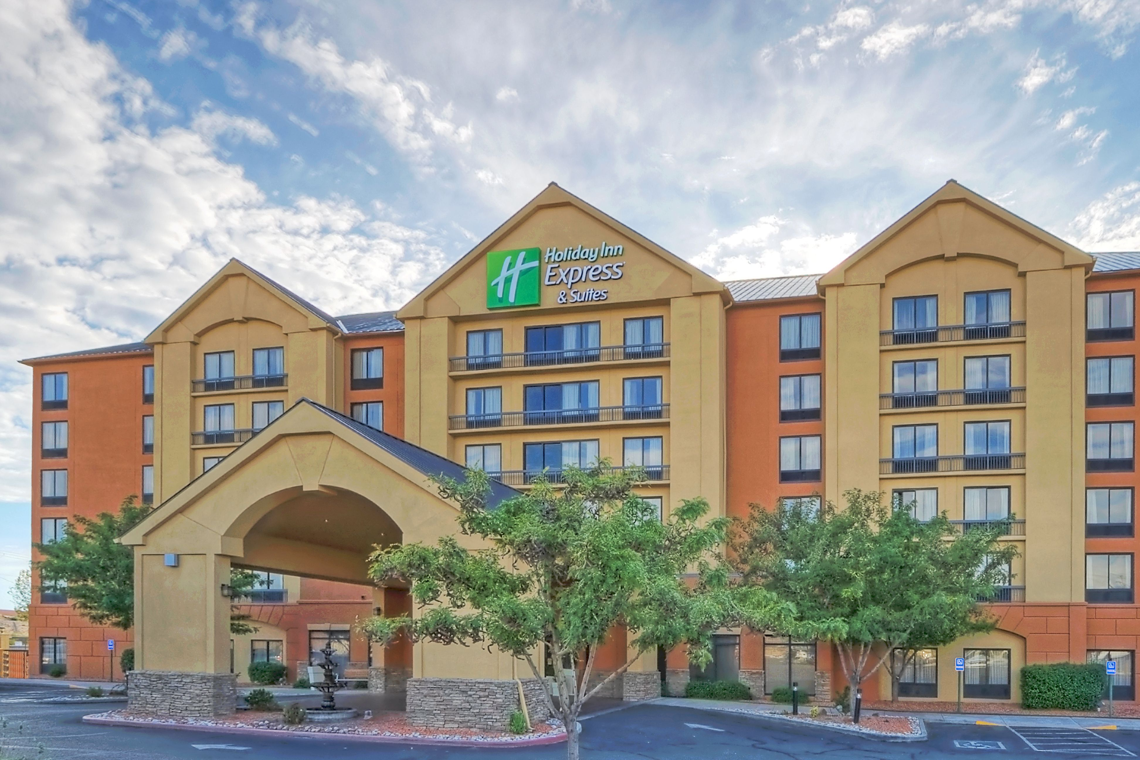 holiday inn express suites albuquerque airport in. Black Bedroom Furniture Sets. Home Design Ideas