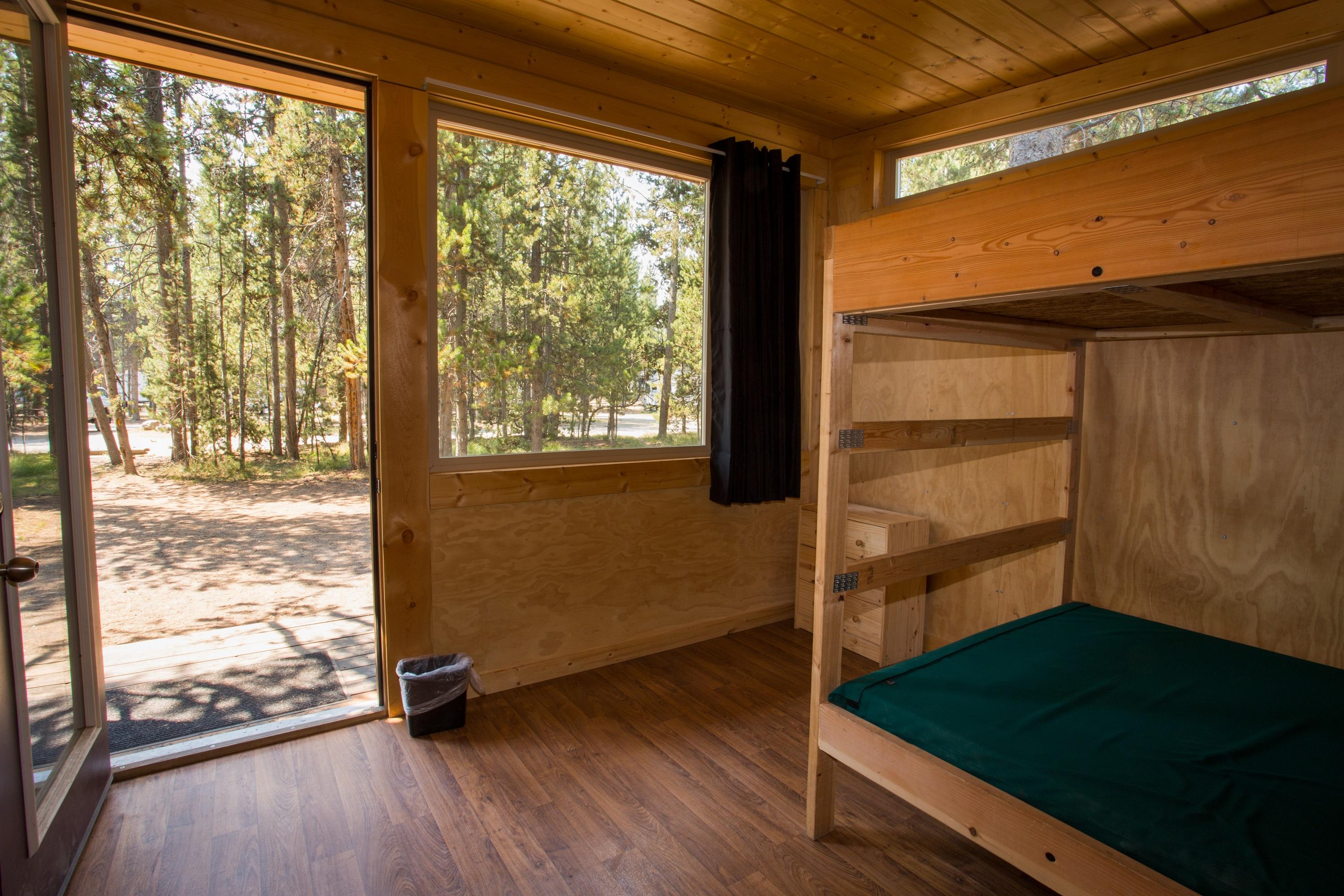 Headwaters lodge cabins at flagg ranch moran wyoming for Headwaters cabins gran teton recensioni