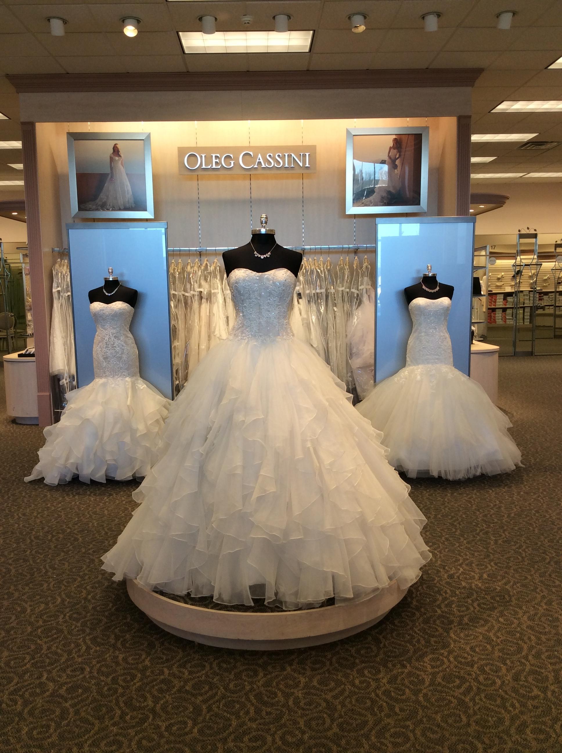 David 39 s bridal in eau claire wi 54701 for Wedding dresses eau claire wi