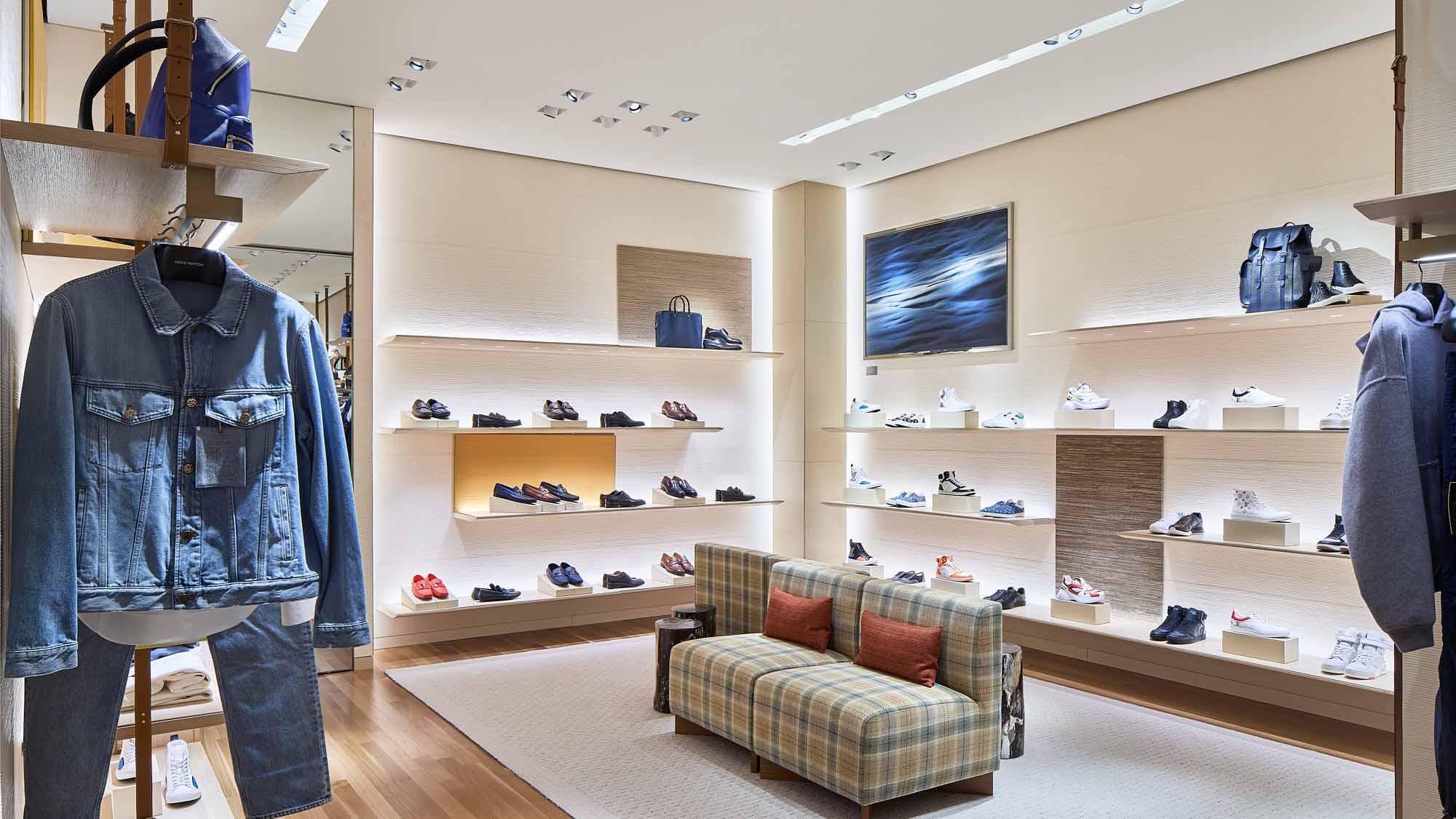 Louis Vuitton Holt Renfrew Vancouver in Vancouver