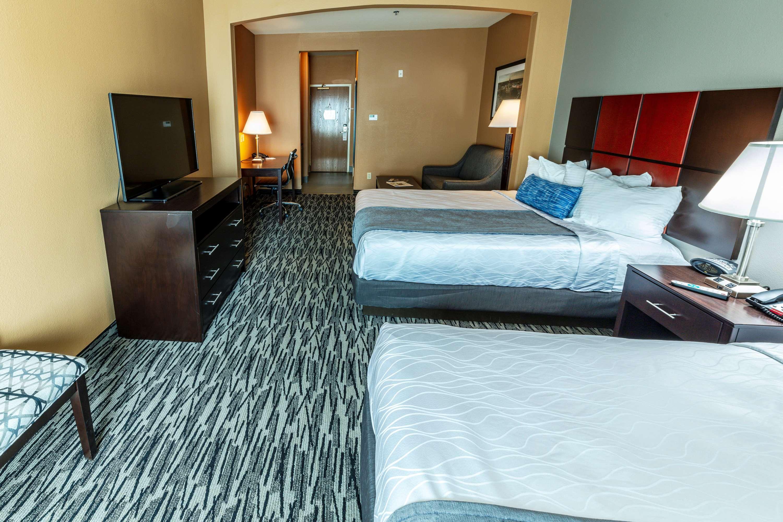 Best Western Plus Denton Inn & Suites