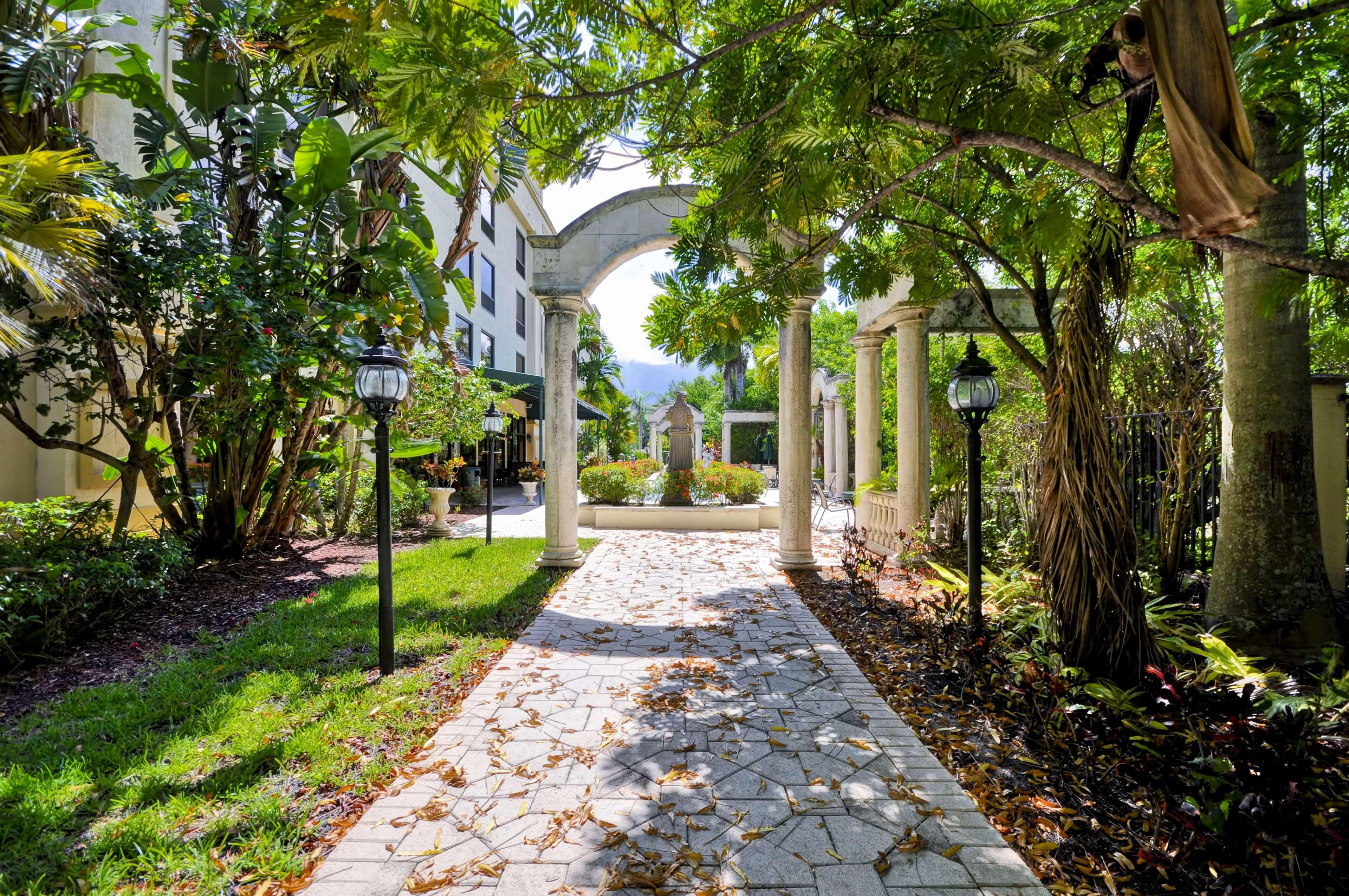 Hampton inn palm beach gardens in palm beach gardens fl 33410 for Hamptons at palm beach gardens