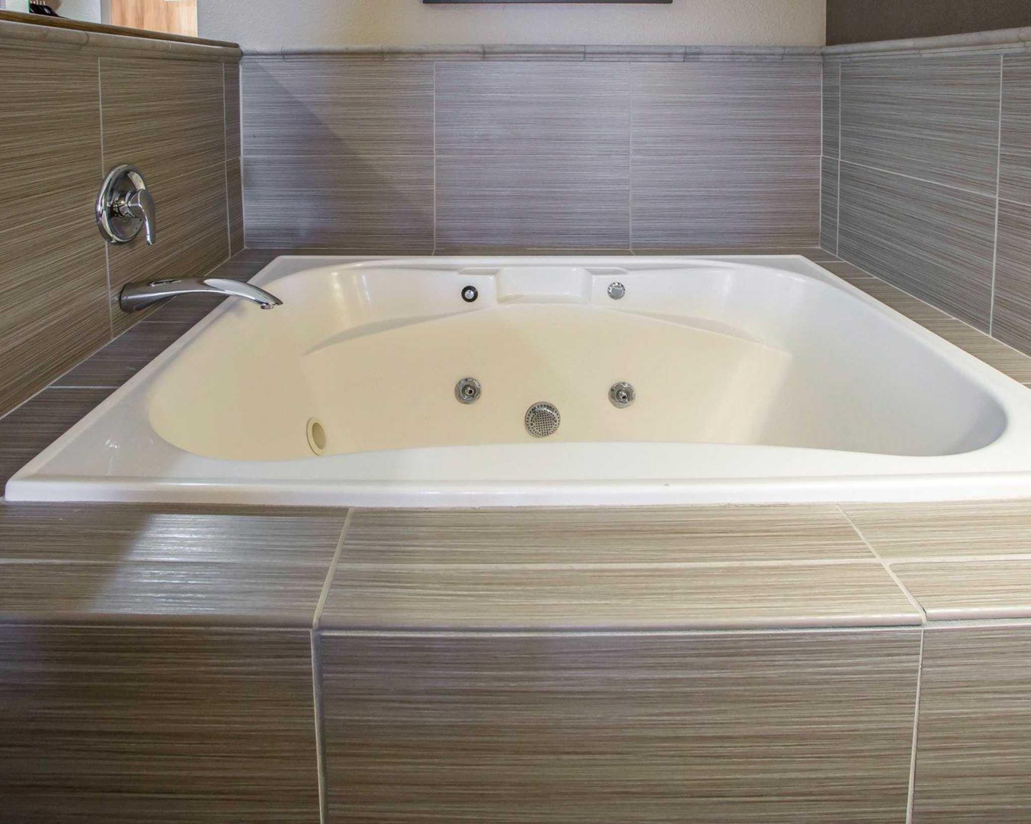 Comfort Suites Hayward Wisconsin Wi Localdatabase Com