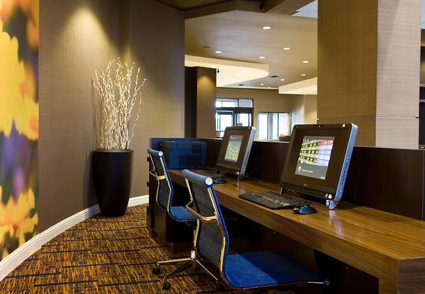 Courtyard by Marriott Newark Silicon Valley image 4