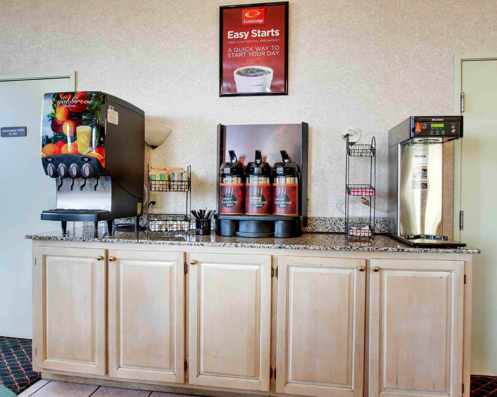 Econo Lodge Inn Amp Suites Gulfport Mississippi Ms